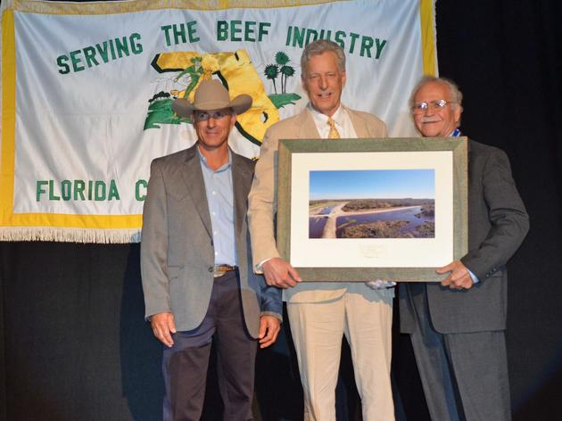 Audubon Florida Presents Sustainable Rancher of the Year Award for 2015 to Lykes Ranch